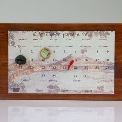 Calendario perpetuo napoletano in legno e terracotta Made in Italy.
